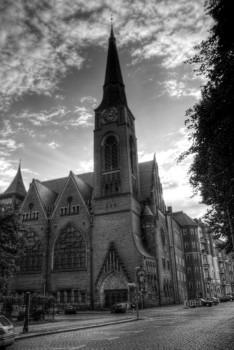 HDRI Kirche in S/W