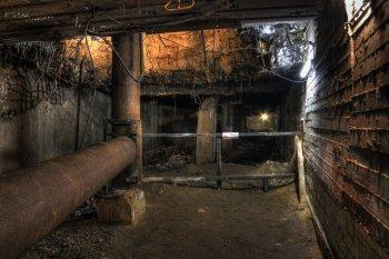 Sprengloch in der Bunkerdecke